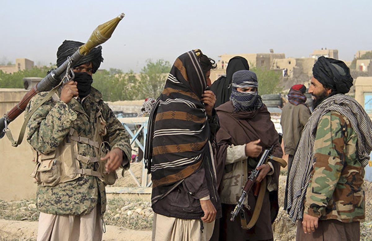 Талибы опровергли информацию о стягивании войск на таджикскую границу