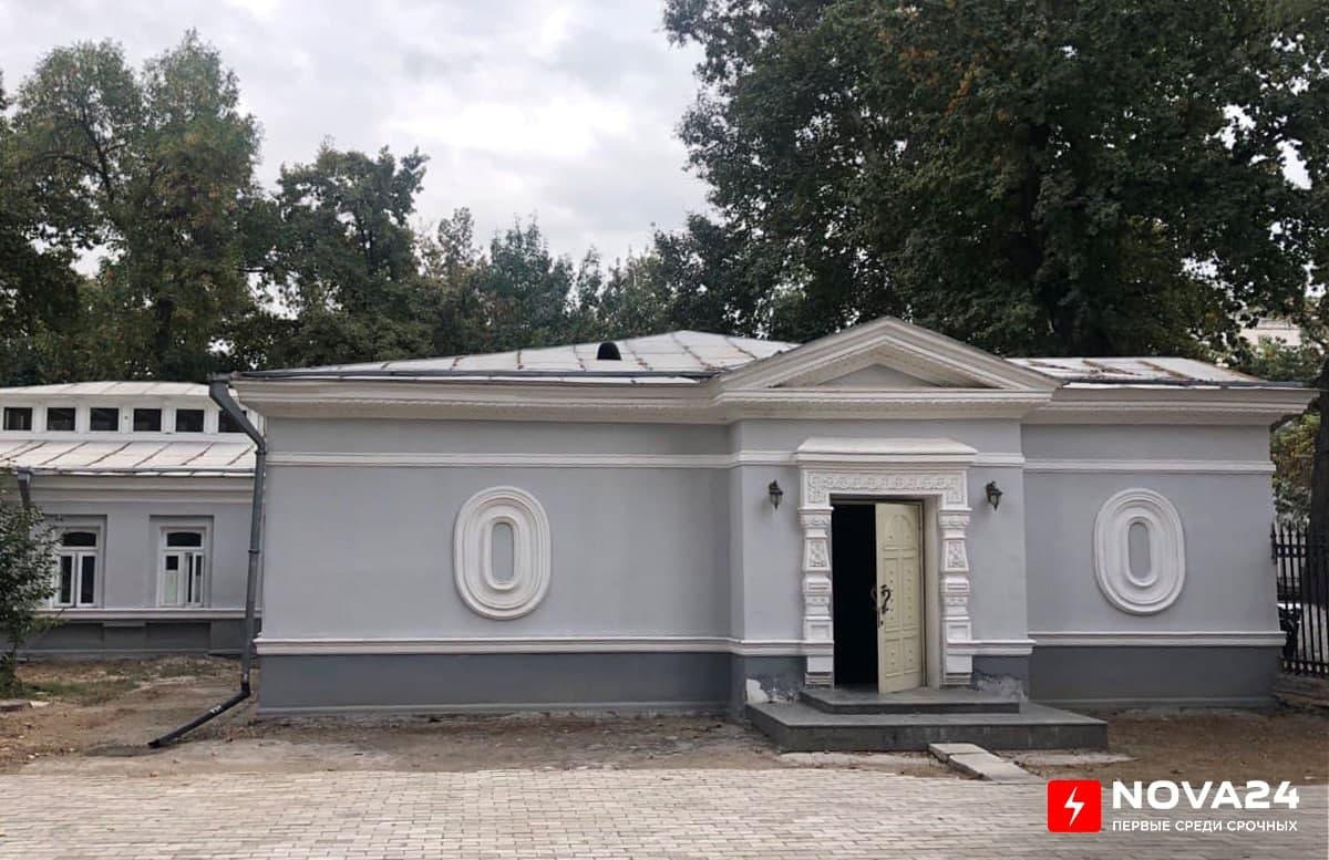 Лифт, кафе и парковая зона: Как изменит Дворец Романова предстоящая реконструкция?