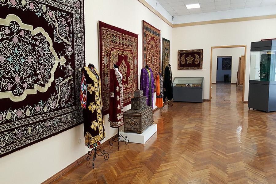 В музеях Узбекистана насчитали более двух миллионов экспонатов