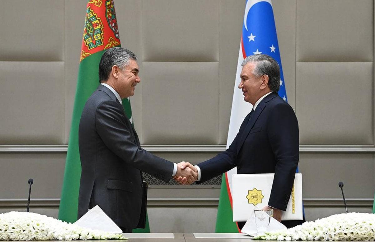 Главы Узбекистана и Туркменистана подписали солидный пакет документов