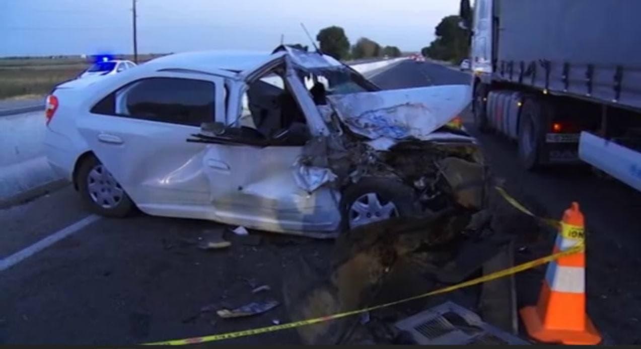 В Джизакской области Cobalt врезался в автобус — видео