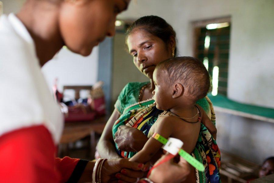 CМИ: Индия начнет испытания вакцины от COVID-19 на детях от двух до шести лет