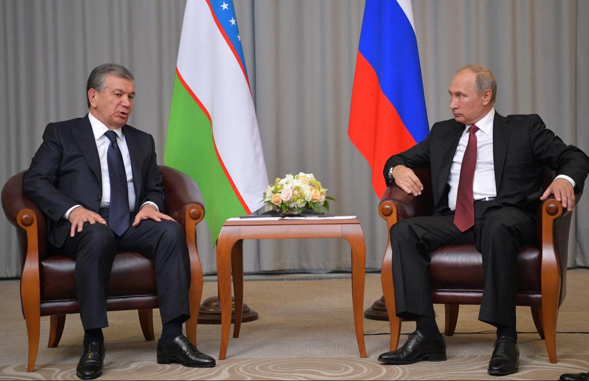 Шавкат Мирзиёев сердечно поздравил Владимира Путина с днем рождения