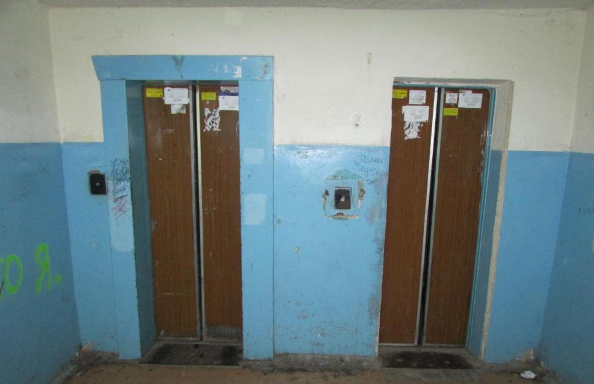 Стало известно, кто должен заменить устаревшие лифты в многоэтажках Узбекистана — видео