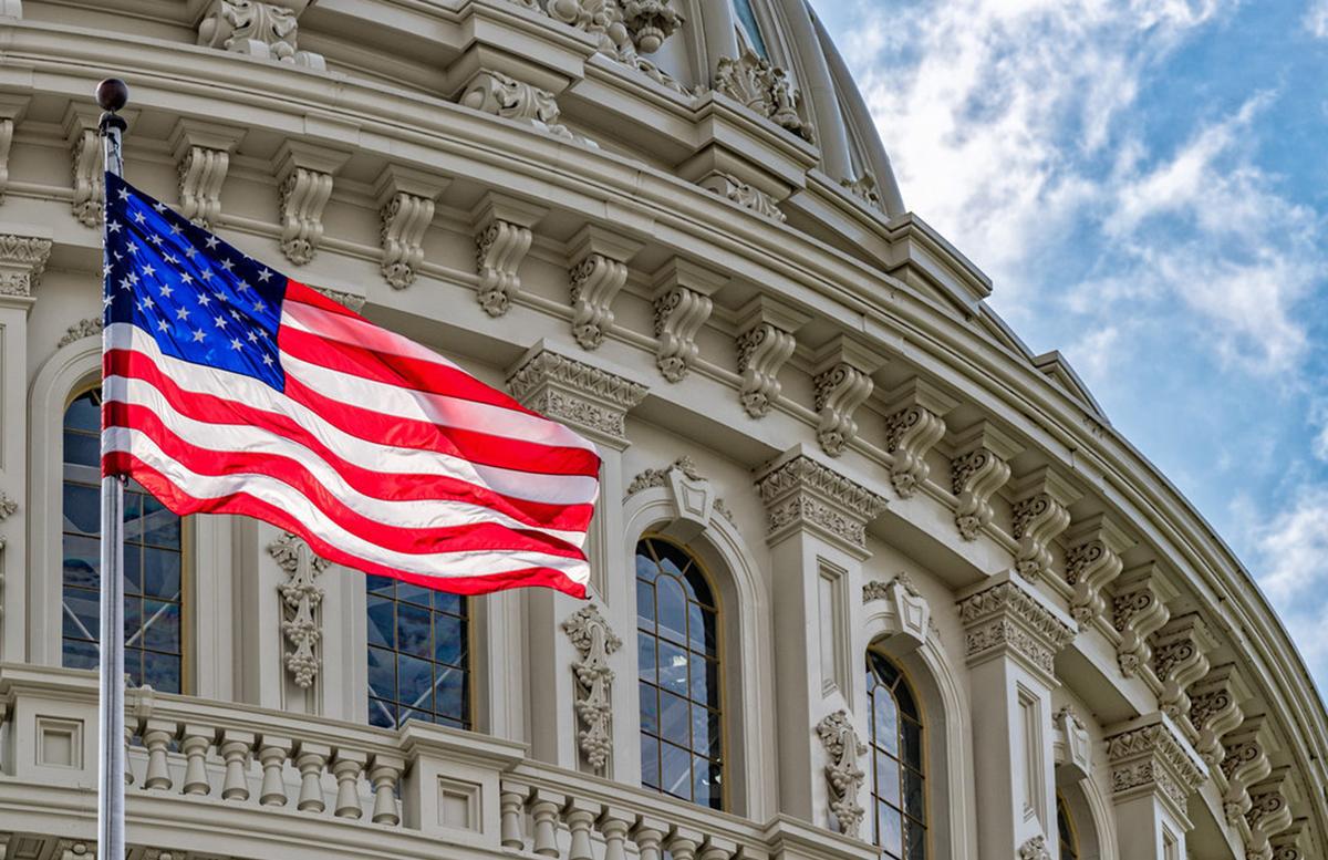 Сенат США согласился поднять потолок госдолга во избежание дефолта