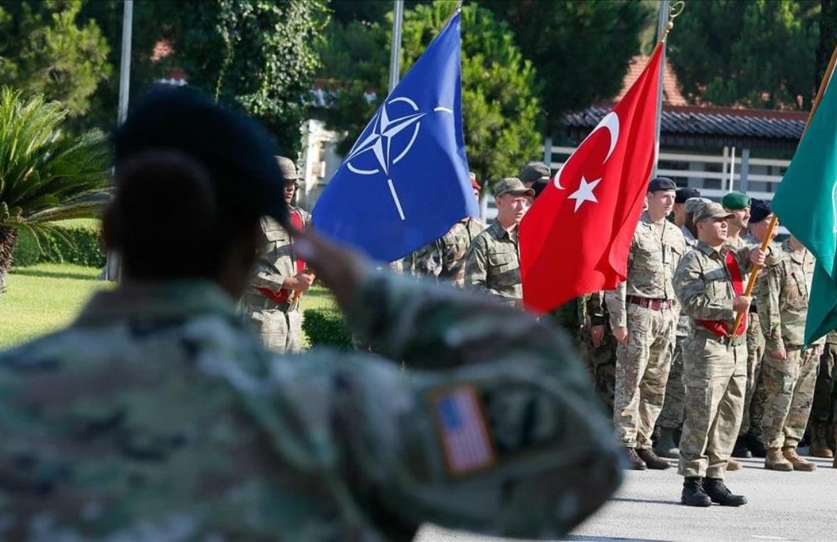 В Турции обвинили НАТО к подготовке к большой войне