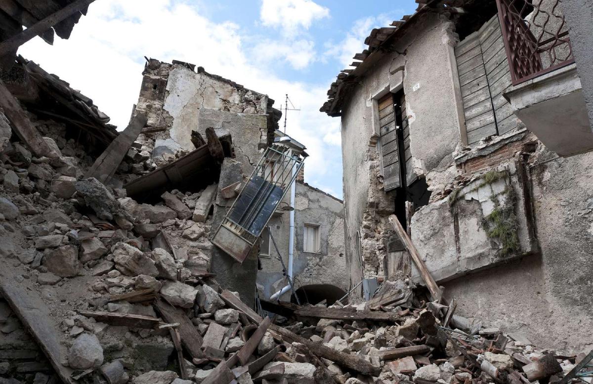 Мирзиеев выразил соболезнования президенту Пакистана в связи с мощным землетрясением