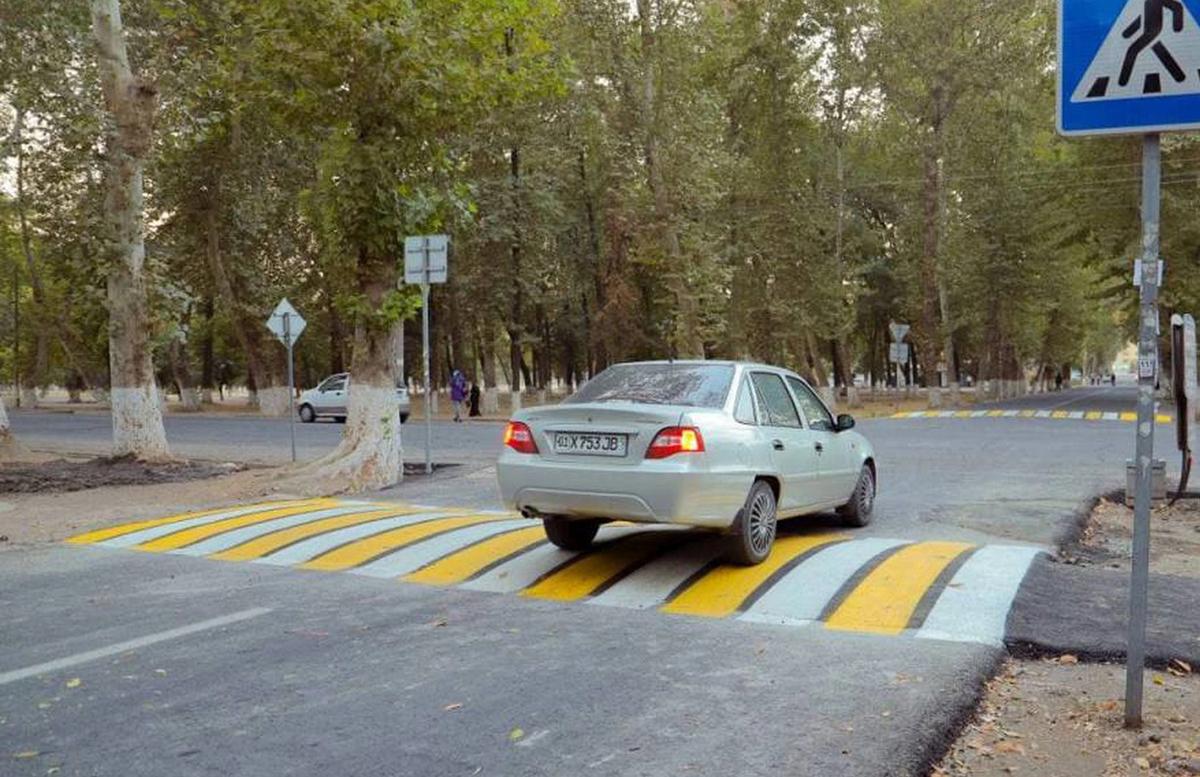 В одном из районов Ташкента появился необычный пешеходный переход