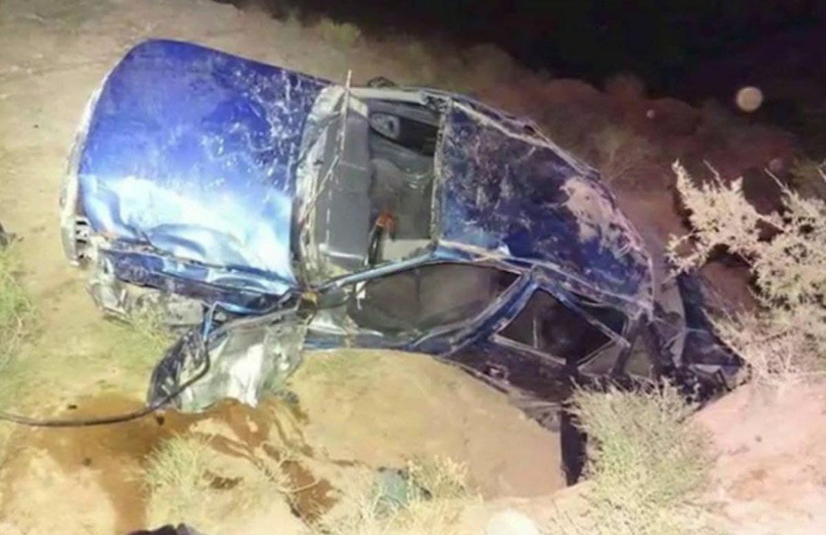 В Сурхандарьинской области автомобиль вылетел с дороги в овраг